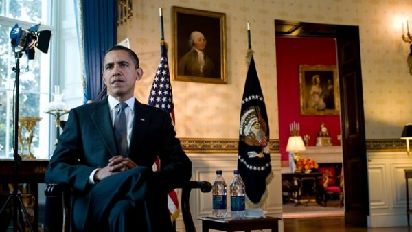 barack-obama-in-the-blue-room