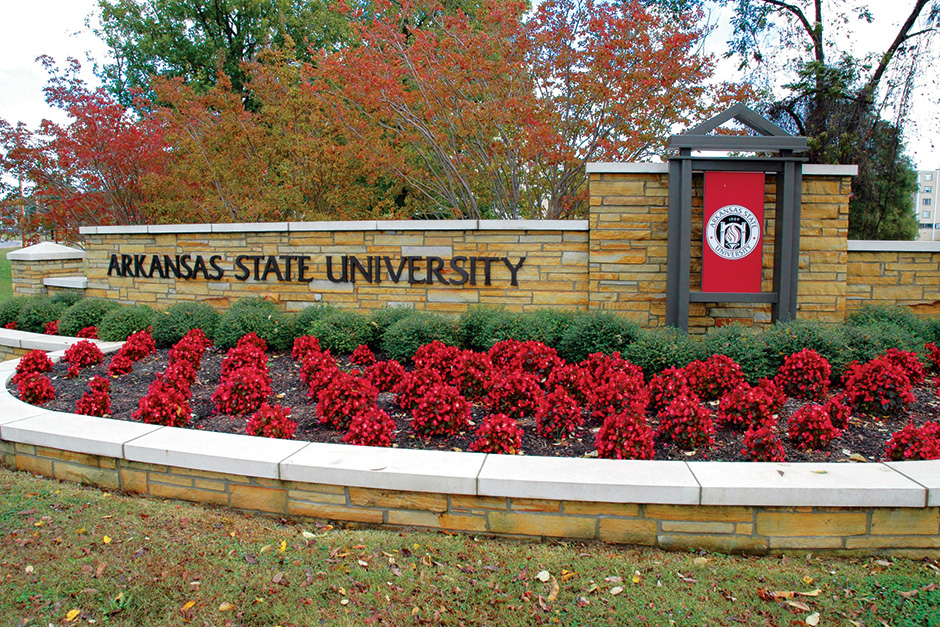 ARKANSAS-STATE-ENTRANCE_web